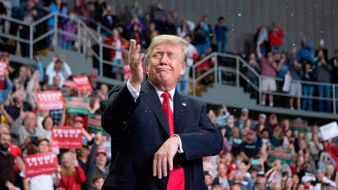 Donald Trump dalam safari politiknya di Biloxi, negara bagian Mississippi, pada November 2018 (AFP/Jim Watson)