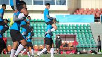 Timnas Indonesia U-23 berlatih di Tajikistan. (PSSI).