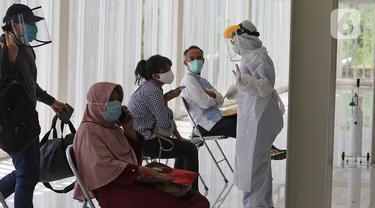 FOTO: Antisipasi Penyebaran COVID-19, RSUI Gelar Swab Test Massal
