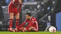 Bek Liverpool, Trent Alexander-Arnold, tergeletak cedera. (Shaun Botterill/Pool via AP)