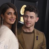 Nick Jonas dan Priyanka Chopra  (Photo by Jordan Strauss/Invision/AP)