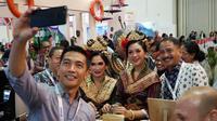 Menteri Pariwisata (Menpar) Arief Yahya benar-benar menjadi pusat perhatian di ITB Asia 2018. Tidak terkecuali saat Menpar melakukan diplomasi kopi dengan cara ikut Ngopi di Coffe Corner Booth Wonderful Indonesia,18 Oktober 2018.