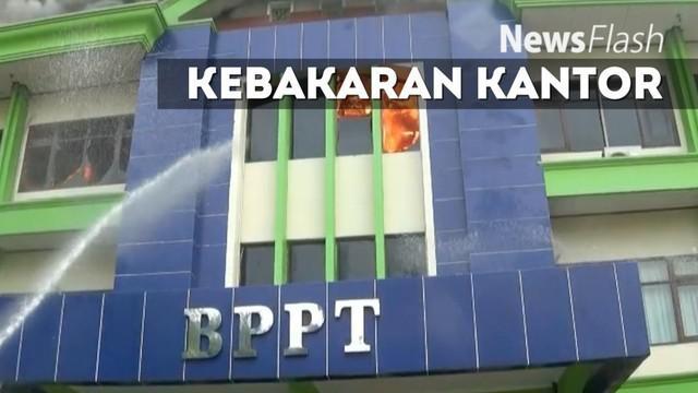 Rangan di Kantor Badan Pelayanan dan Perizinan Terpadu (BPPT) Kota Bekasi,  di belakang  Jalan Ir Juanda, Kota Bekasi,  terbakar.