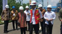 Presiden Jokowi meresmikan Pembangkit Listrik Tenaga Uap (PLTU) Cilacap. (Liputan6.com/ Lizsa Egeham)