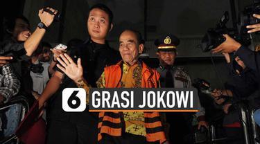 Presiden Jokowi beri grasi pada terpidana korupsi Annas Maamun. Berupa pengurangan pidana penjara 7 tahun jadi 6 tahun.