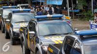 Humas Kepolisian Resor Cilacap Bintoro Wasono mengatakan, kendaraan tersebut akan digunakan untuk operasional dalam persiapan eksekusi terpidana mati di Pulau Nusakambangan, Cilacap, Jateng, Rabu (27/7). (Liputan6.com/Helmi Afandi)