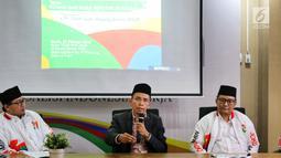 Mantan Gubernur Nusa Tenggara Barat Tuan Guru Bajang Zainul Majdi memberi penjelasan saat menjadi narasumber dalam diskusi di Jakarta, Kamis (7/2). Diskusi tersebut terkait Gerakan Menangkal Fitnah dan Hoax seputar agama. (Liputan6.com/Johan Tallo)
