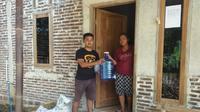 Pemerintah Desa Pagak, Banjarnegara menyiapkan 900 padasan untuk reresik mencegah penyebaran Covid-19. (Dok. Pemdes Pagak, Liputan6.com/Galoeh Widura)