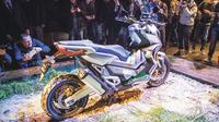 Honda dikabarkan sedang mengembangkan skutik adventure 750 cc (motorcyclenews)