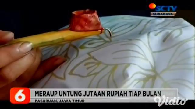 Mengalihkan rasa bosan dari belajar daring, para muda-mudi di Kelurahan Tambakrejo, Kecamatan Purworejo, Pasuruan, Jawa Timur, mengisi waktu luang dengan belajar membatik.