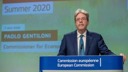 Komisioner Eropa untuk Ekonomi Paolo Gentiloni saat konferensi pers tentang Prakiraan Ekonomi Musim Panas 2020 di Brussel, Belgia, Selasa (7/7/2020). Komisi Eropa memprediksi Ekonomi Eropa akan menghadapi resesi lebih dalam akibat pengendalian COVID-19 yang berkepanjangan. (Xinhua/Uni Eropa)