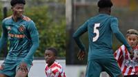 Pemain Ajax Amsterdam U-15, David Easmon. (Twitter/FootballWTF)