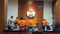 Komisi Pemberantasan Korupsi (KPK) menetapkan tujuh orang sebagai tersangka kasus dugaan penerimaan hadiah dan janji terkait pekerjaan infrastruktur di lingkungan Pemerintah Kabupaten (Pemkab) Kutai Timur (Kutim) tahun 2019 - 2020.