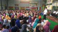 """Legislator Partai Golkar Mukhamad [Misbakhun](3547581 """""""") memanfaatkan hari-hari terakhir Ramadan 2018 untuk menggencarkan kegiatan sosial bagi konstituennya. (Istimewa)"""