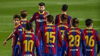 Pemain Barcelona usai mencetak gol pembuka pada pertandingan sepak bola La Liga Spanyol antara FC Barcelona dan Getafe di stadion Camp Nou di Barcelona, Spanyol, Kamis, 22 April 2021. (AP Photo / Joan Monfort)