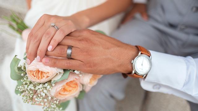 Ilustrasi menikah (dok. Pixabay.com/Pexels/Putu Elmira)