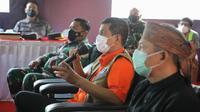 Ketua Satgas COVID-19 Doni Monardo dalam acara Rapat Koordinasi Satgas Penanganan COVID-19 di Kantor Bupati Cilacap, Jawa Tengah, Rabu (28/4/2021). (Tim Komunikasi Satgas COVID-19)