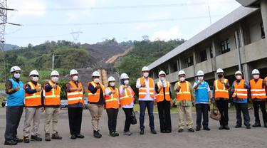 Direktur Teknik dan Lingkungan Ketenagalistrikan kementerian SDM Wanhar mendampingi Kunjungan Kerja Spesifik Komisi VII DPR ke PLTA Saguling, Kabupaten Bandung Barat, Kamis (16/9/2021).