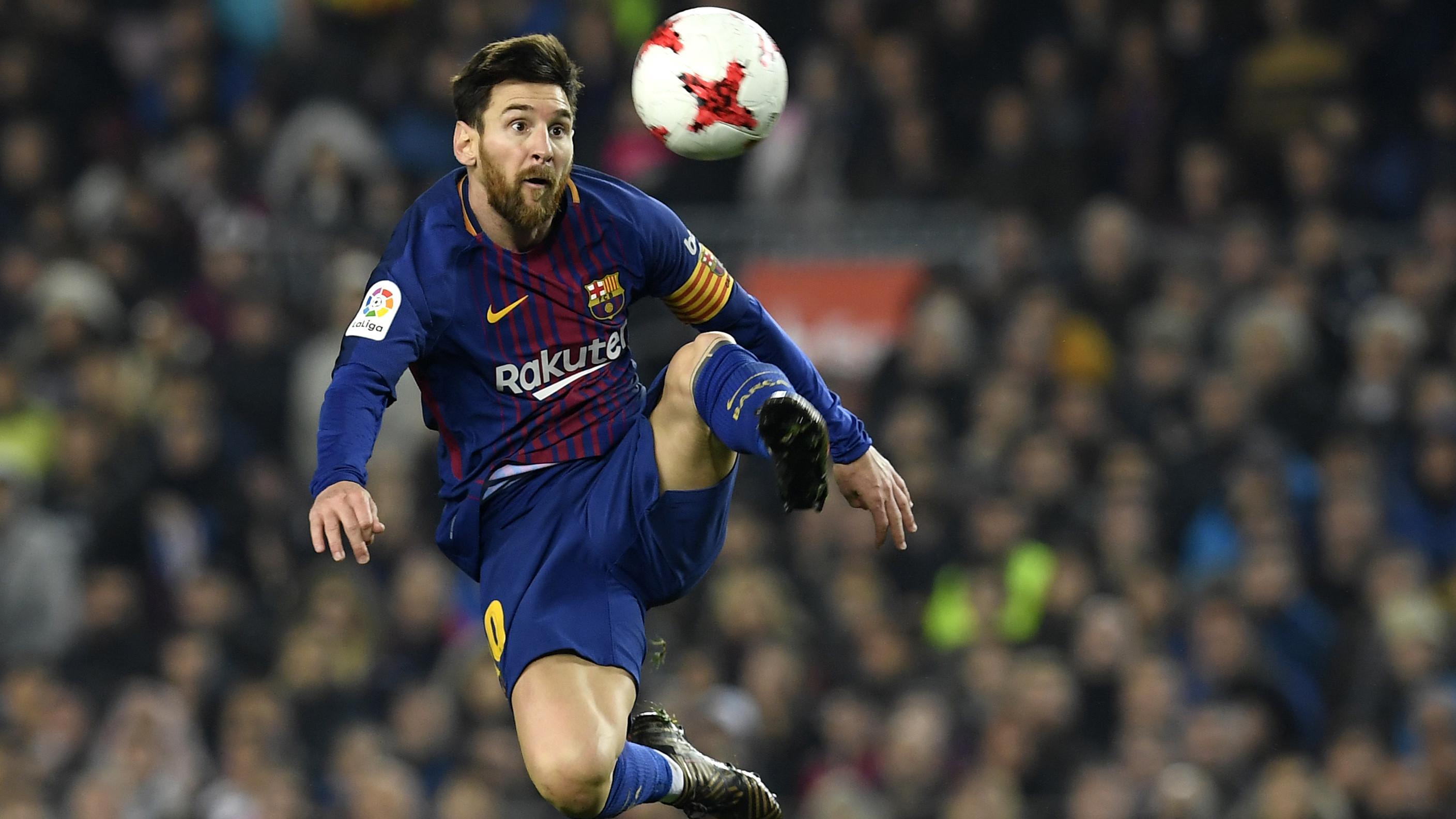 Bintang Barcelona, Lionel Messi menerima gaji per minggu sebesar 500.000 pound sterling dengan durasi kontrak hingga 2021. (AFP/Lluis Gene)