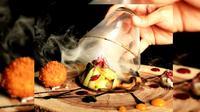 Penyajian hidangan gastronomi dengan chef asal Prancis dilaksanakan selama Festival Internasional Kuliner Prancis tanggal 20-21 Maret 2016.
