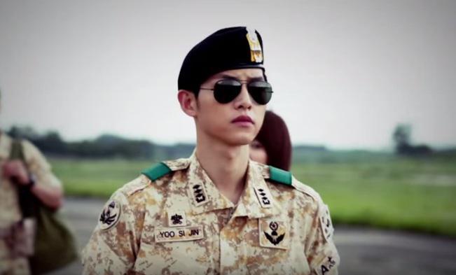 Song Joong Ki dalam Descendants of the Sun (Soompi)