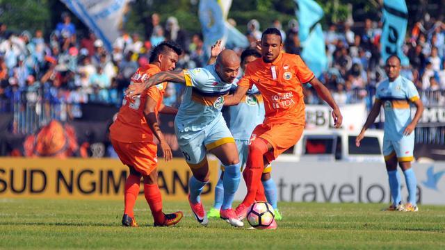 Dipermalukan Persela Persija Telan Tiga Kekalahan Beruntun Indonesia Bola Com