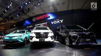 Mobil terbaru keluaran Toyota dipamerkan dalam ajang Gaikindo Indonesia International Auto Show (GIIAS) 2017, di ICE, BSD, Tangerang Selatan, Kamis (10/8). Pameran tersebut menampilkan lebih dari 40 kendaraan terbaru. (Liputan6.com/Angga Yuniar)