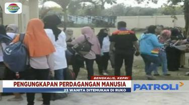 Sebanyak 23 wanita asal Jawa Barat, telantar di Riau, usai dijanjikan bekerja di Malaysia. Diduga mereka menjadi korban perdagangan manusia.
