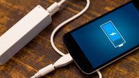Baterai Anda cepat lowbat? Tinggalkan pemakaian powerbank dan isi ulang daya baterai smartphone Anda dengan fitur turbo charging.