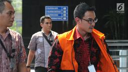 Gubernur Jambi nonaktif Zumi Zola Zulkifli tiba untuk menjalani pemeriksaan lanjutan di KPK, Jakarta, Jumat (6/7). Zumi Zola diperiksa terkait dugaan suap pengesahan R-APBD Pemprov Jambi 2018. (Merdeka.com/Dwi Narwoko)