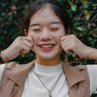 ilustrasi perempuan bahagia/Photo by Ian Panelo from Pexels