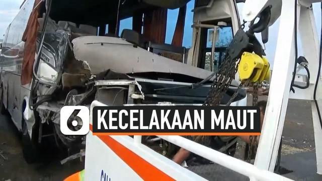 Dua bus terlibat kecelakaan di Tol Cipali KM 117-800 jalur B, arah Palimanan menuju Jakarta, Kamis (14/11/2019) dini hari.