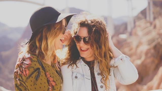 25 Kata Kata Lucu Singkat Tentang Sahabat Dalam Bahasa Inggris Ayo Tertawa Bareng Ragam Bola Com