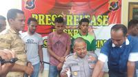 Dua mahasiswa di Kota Kupang diciduk polisi karena melakukan pencurian disertai kekerasan, Kamis (6/12/2018).  Kedua pelaku berinisial MD (21) dan JLB (22). Keduanya berstatus mahasiswa Fakultas Perikanan semester tiga di salah satu universitas