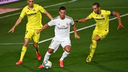 Eden Hazard kerap didera cedera pada musim lalu bersama Real Madrid. Dirinya baru pulih beberapa minggu sebelum berlangsungnya Euro 2020. Pada laga perdana Real Madrid musim ini, ia dipercaya masuk kedalam starting eleven dan berhasil persembahkan satu assist. (Foto: AFP/Gabriel Bouys)