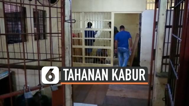 4 tahanan polisi di mapolsek Pontianak Utara nekat kabur penjara. Mereka membobol atap tahanan untuk melarikan diri.