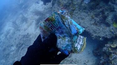 Aksi Menyelam Bersih Laut World Cleanup Day di Kepulauan Seribu (Foto; Hobby Dive)