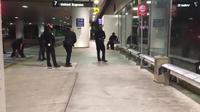 Pria Kostum Zorro Ditangkap Saat Geger Penembakan di Bandara LA (news.com.au)