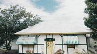 Rumah Bung Karno dan Keluarga yang Dijadikan Tempat Pengasingan di Eden (dok. Instagram @biancadslv_ / https://www.instagram.com/p/BgiX0Ayjb5C/?utm_medium=copy_link / Dinda Rizky)