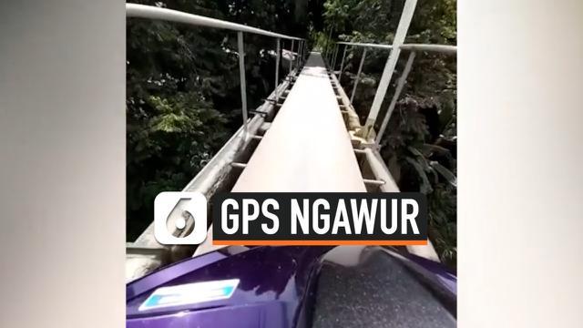 thumbnail kurir naik ke jembatan gantung karena ngikutin gps