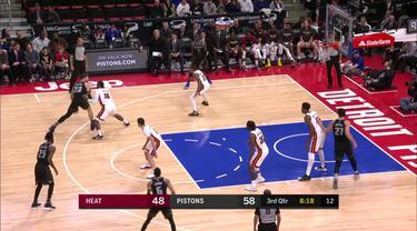 Blake Griffin menjatuhkan 32 poin, 11 rebound, dan sembilan assist saat Detroit mengalahkan Miami, 98-93.