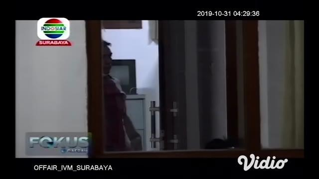 Wanita paruh baya ditemukan tewas dengan luka bakar. Korban diketahui bernama Suwati usia 52 tahun warga Karangasem Kecamatan Glagah Banyuwangi. Korban pertama kali ditemukan oleh seorang pencari rumput tergeletak di pinggir rel kereta api di belakan...