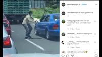 Seperti dilansir akun Instagram @newdramaojol.id, Senin (28/9/2020), terlihat sebuah video memperlihat kejadian unik yang dialami sebuah mobil sedan.