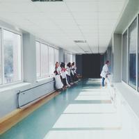 ilustrasi rumah sakit | pexels.com/@oles-kanebckuu-34911
