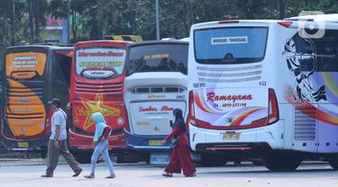 Suasana Terminal Poris Plawad Tangerang Jelang Pelarangan Mudik Lebaran