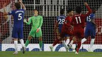 Kiper Chelsea, Kepa Arrizabalaga, saat duel kontra Liverpool di Anfield, Kamis dini hari WIB (23/7/2020). (AFP/Phil Noble)