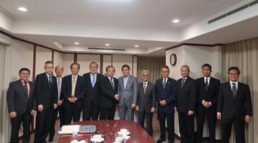 Menteri ESDM Ignasius Jonan bertemu dengan CEO Inpex Corporation Takayuki Ueda di Tokyo