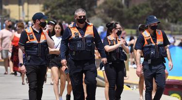 Australia Empat Hari Nol Kasus COVID-19, Warga Penuhi Pantai