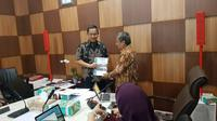 Wali Kota Semarang Hendrar Prihadi menerima anggota DP2K yang terdiri para akademisi berbagai PT di Semarang. (foto : Liputan6.com / humas pemkot semarang / felek wahyu)