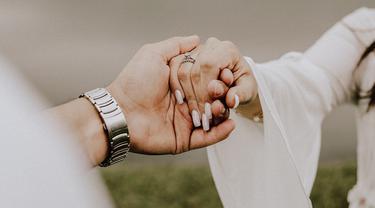 Dengan Siapa Pasangan Selingkuh Menentukan Bagaimana Kita Mengakhiri Hubungan Lifestyle Fimela Com